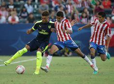CHIVAS PIERDE EN AMISTOSO ANTE ARSENAL El Rebaño cae 1-3 ante los Gunners en partido amistoso en California. Ángel Zaldívar descontó por la vía del penal.