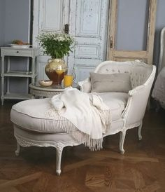 Feminine lines of the Louis chaise bring Old world glamour alive.This gorgeous chaise is finely crafted from beech wood and features an Old Cream finish hand-applied for vintage appeal. French Country Furniture, Shabby Chic Furniture, Home Furniture, Cottage Furniture, Country Interior, Upholstered Furniture, Furniture Ideas, Tufted Chaise Lounge, Chaise Lounges