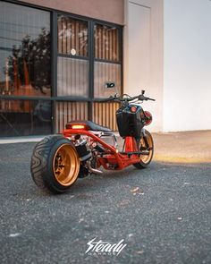 """The """"Accessory Guy"""" from the Low N Slow Crew's super clean Ruckus! Running the original GET engine with a little bump Amazing to see… Honda Ruckus Parts, Custom Honda Ruckus, Custom Rat Rods, Scooter Bike, Motor Scooters, Mini Bike, Bikers, Cars And Motorcycles, Motorbikes"""