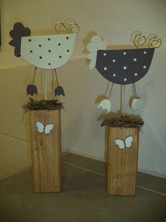 Holzpfosten deko h hner ostern neu holz pinterest for Holz bastelvorlagen kostenlos