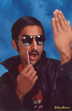 Funny Senior Pictures - Talk to the hand!