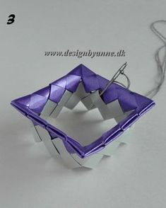 Lilla vase Diy Wallet, Candy Wrappers, Dyi, Recycling, Weaving, Handmade, Crafts, Journal, Vases