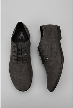 These brown canvas oxford shoes pair very well with kaki pants, jeans and a  grey