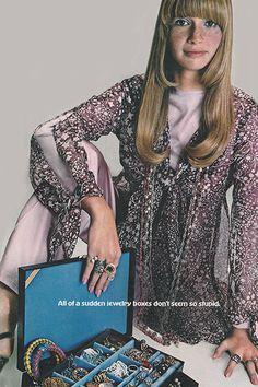 February of a sudden jewelry boxes don't seem so stupid. Seventies Fashion, 1960s Fashion, Paris Fashion, Vintage Fashion, Patti Hansen, Lauren Hutton, Missoni, Twist And Shout, Vogue