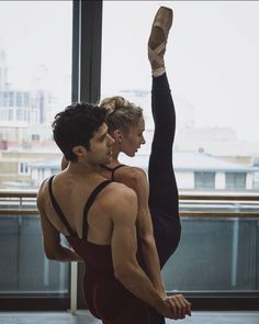Roberto Bolle and. Ballet Art, Ballet Dancers, Shall We Dance, Just Dance, Baile Jazz, Dance Like No One Is Watching, Partner Yoga, Dance Movement, Dance Poses