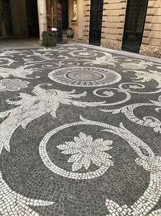 BURDA - 100 SUPER ИДЕЙ и ТЫ. — 🔴 ИДЕИ ДЛЯ ДОМА и ДАЧИ.🔴 | OK.RU Pebble Mosaic, Stone Mosaic, Mosaic Art, Mosaic Glass, Mosaics, Garden Paving, Garden Paths, Garden Art, Garden Design