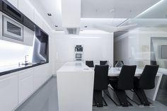 Futuristic home interior Futuristisk hjem Modern Apartment Decor, White Apartment, Apartment Layout, Apartment Interior Design, Kitchen Interior, Futuristic Interior, Futuristic Design, Cool Apartments, Kitchen Sets