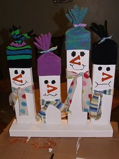 So cute!!  2x4 Snowmen  Maybe something similar for Halloween too?