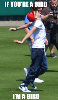 Niall from One Direction is being Aerodynamic!!!!!!