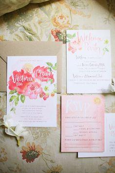 海外花嫁さんに学ぶ♡真似したいおしゃれな花柄招待状10選*にて紹介している画像