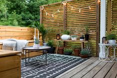 Patio Decorating Ideas Small Patio Nathanchoiforjudge Backyard 10 Beautiful Patios And Outdoor Spaces Home Small Outdoor Spaces, Outdoor Rooms, Small Deck Space, Small Decks, Outdoor Balcony, Rooftop Terrace, Outdoor Kitchens, Outdoor Deck Rugs, Outdoor Living Spaces
