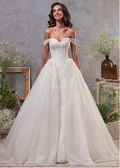 Buy discount Stunning Tulle Off-the-shoulder Neckline 2 In 1 Wedding Dress With Lace Appliques & Detachable Skirt at Dressilyme.com