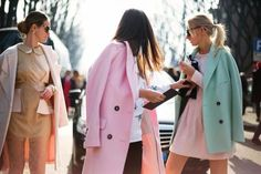 Pink and mint pastel outfits at Milan Fashion Week Mode Style, Style Me, Style Blog, Preppy Style, Girl Style, Outfits In Weiss, Spring Summer Fashion, Winter Fashion, Spring Style