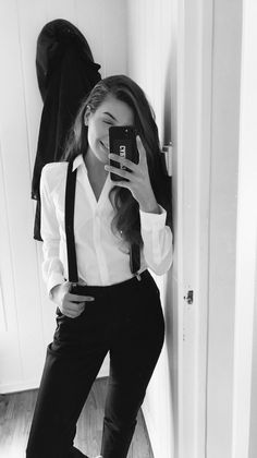 Classy outfit in black & white inspiring ladies- classy outfit in black & white Lesbian Outfits, Prom Outfits, Tomboy Outfits, Classy Outfits, Casual Outfits, Cute Outfits, Androgynous Fashion, Tomboy Fashion, Suit Fashion