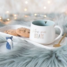 White Porcelain Fox Coffee Cup and Mini Dessert Plate on Maisons du Monde. Hygge, Foto Pastel, Shabby Chic Baby Shower, Cute Mugs, Mini Desserts, White Porcelain, Health And Nutrition, Diy Design, Design Ideas