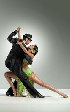 I love the lines in tango!