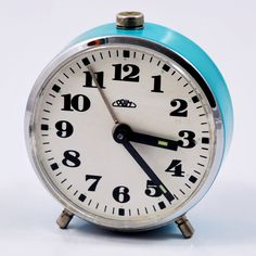 Mały budzik mechaniczny Prim, Czechosłowacja, lata 60. | Small mechanical Prim alarm clock, Czechoslovakia, 60s. | buy on Patyna.pl #Prim #Czechoslovakia #clock #small #blue #alarmclock #60s #1960s #retro #vintage #vintagefinds #decor #inspiartion #goodoldthings Electronics Gadgets, Alarm Clock, Clocks, Retro Vintage, Watches, Home Decor, Electronic Devices, Projection Alarm Clock