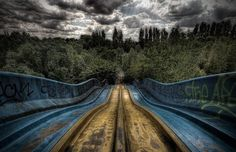 "hahamagartconnect: "" ABANDONED AMUSEMENT PARKS I cannot stop surfing through these haunting Francesco Mugnai pictures. His photo series on abandoned amusement parks brings chills to my body as. Abandoned Theme Parks, Abandoned Amusement Parks, Scary Places, Haunted Places, Abandoned Buildings, Abandoned Places, Spreepark Berlin, Places Around The World, Around The Worlds"