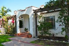 Spanish Bungalow in Pasadena. http://www.pasadenaviews.com/1787-orangewood-spanish-bungalow-in-desirable-caltech-pasadena/#