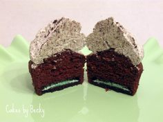 COOL MINT OREO CUPCAKES (RECIPE): My second favorite Oreo flavor (after Golden) and it's in a cupcake - fabulous!
