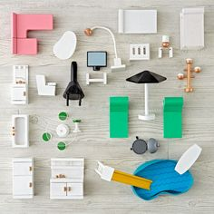 Bright, modern and filled with style, this A-Frame Dollhouse Furniture set includes 31 pieces to furnish the A-Frame Dollhouse. From the bedroom and kitchen to the living room and pool, there are tons of items to bring these rooms alive.
