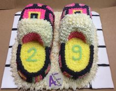 House slippers buttercream cake