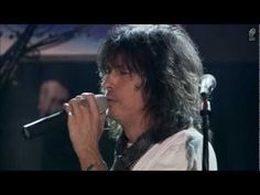 FOREIGNER - WAITING FOR A GIRL LIKE YOU - LIVE 2011 - YouTube