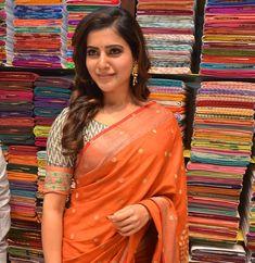 Samantha stills at South India Shopping mall launch