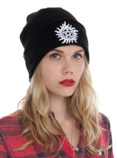 Supernatural Anti-Possession Symbol Watchman Beanie from Hot Topic. Saved to accessories. Supernatural Merchandise, Supernatural Outfits, Funky Hats, Cute Hats, Supernatural Anti Possession, Anti Possession Symbol, Cool Beanies, Senior Photo Outfits, Black Knit