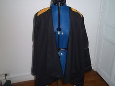 veste eagle . réalisé avec le patron de Vanessa pouzet en lainage noir et doublure en coton bleu