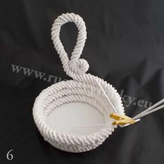 плетение из газет. белый лебедь (6) (550x550, 61Kb)