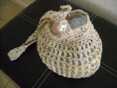 Crochet Bag w/ Removable Shoulder Strap {Free Pattern}