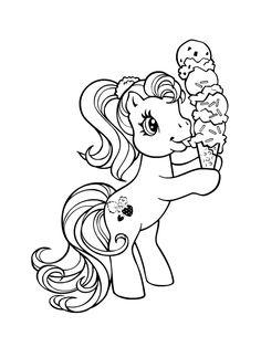 Petit poney mangeant une glace