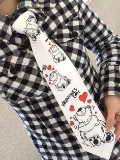 2/14はバレンタインです♡ バレンタイン向けのかわいいネクタイいかがですか? 女性用でお作りすることも可能ですのでチョコレートをあげる時にかわいいネクタイするなんていかがでしょうか?(o´ω`o)