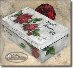 Decoupage Glass, Decoupage Box, Crafts To Make And Sell, Diy And Crafts, Arts And Crafts, Shabby Chic Crafts, Pretty Box, Altered Boxes, Jewellery Boxes