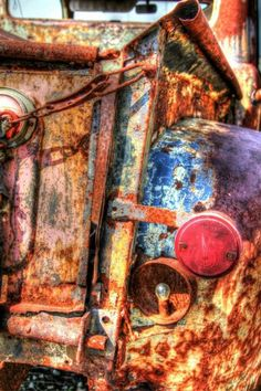 rusty old truck Pallet Painting, Pallet Art, Vintage Trucks, Old Trucks, Rust Never Sleeps, Rust In Peace, Old Pickup, Rusty Cars, Car Colors