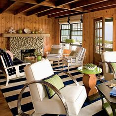 I could add this beach-home feel to our wood room. Would turquoise work in place of navy?