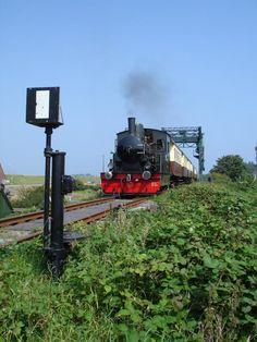Seinwezen op de #lokaalspoorlijn Medemblik - Hoorn | museumstoomtram.nl #stoomtram #locomotief #stoomtramlocomotief #rijtuig #geschiedenis #historie #reizen #tijdreizen #stoomlocomotief #vervoer #Museumstoomtram #stoomtram