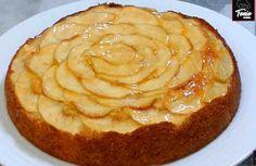 Es una jugosa tarta con una elaboración muy fácil y rápida, que aprovecha la jugosidad de la manzana y el toque cítrico que aporta la naranja, combinados con un rico bizcocho.  Es una tarta que hemos decorado de forma fácil y elegante. Ideal para cualquier ocasión… Que la disfrutéis !!!    Ing