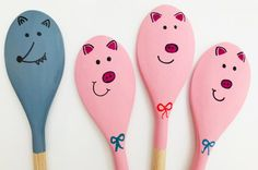 ]Turn plain wooden spoons into beautiful painted puppets to bring fairy tales and stories to life. We have made ours the three little pigs story spoons. Quick And Easy Crafts, Easy Crafts For Kids, Toddler Crafts, Art For Kids, Three Little Pigs Story, Wooden Spoon Crafts, Blow Paint, Ice Painting, Airplane Crafts