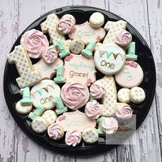 Beautiful pink, gold, & mint cookies! Sweet cookies for a pink and gold party!
