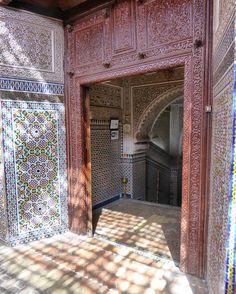 Intricate facade of an old restaurant in Marrakech Medina. #marrakech #marrakesh #medina #ancient #morocco #localsknow #instagood #tastetravel #tastetravelfoodadventuretours #sunshinecoast #australia #travel #traveler #holiday #trip #tour #fun