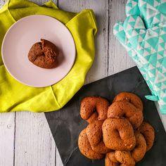 ΦΑΝΟΥΡΟΠΙΤΑ   Pastry...tsio Cheesecake, Cookies, Desserts, Blog, Crack Crackers, Tailgate Desserts, Deserts, Cheesecakes, Biscuits