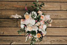wedding planning: the big things - bride bouqet Something Borrowed, Something Blue, Creating A Blog, Wedding Planning, Floral Wreath, Bride, Wedding Bride, Flower Crowns, Bridal