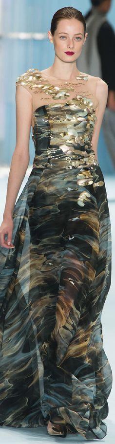 Fall 2015 Carolina Herrera ~More beautiful couture dresses added daily @ https://www.pinterest.com/tanja62287/couture-dresses/