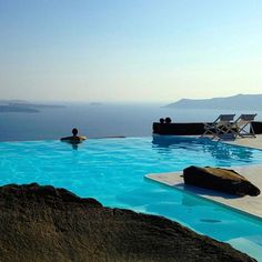 Infinity Pool in Santorini  Photo by @tropbeaupouretrevrai