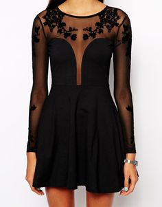 Embroidery dress with long sleeve