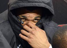 Yann M'Vila joue à cache-cache sur le banc des remplaçants du Stade Rennais.  #ligue1 #football #srfc  Photo : Jérôme Fouquet / Ouest-France