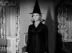 Elizabeth Montgomery in 60s TV show 'Bewitched'