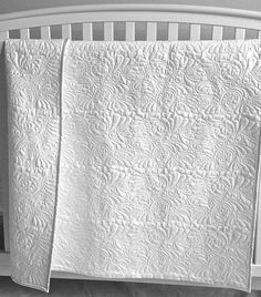 WHOLE CLOTH BABY QUILT by Kim's Quilting Studio #KimsQuiltingStudio